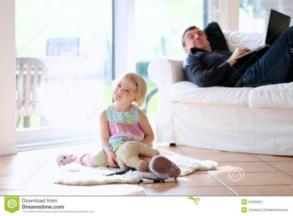 حيل الآباء والأمهات لمشاهدة برامجهم المفضلة