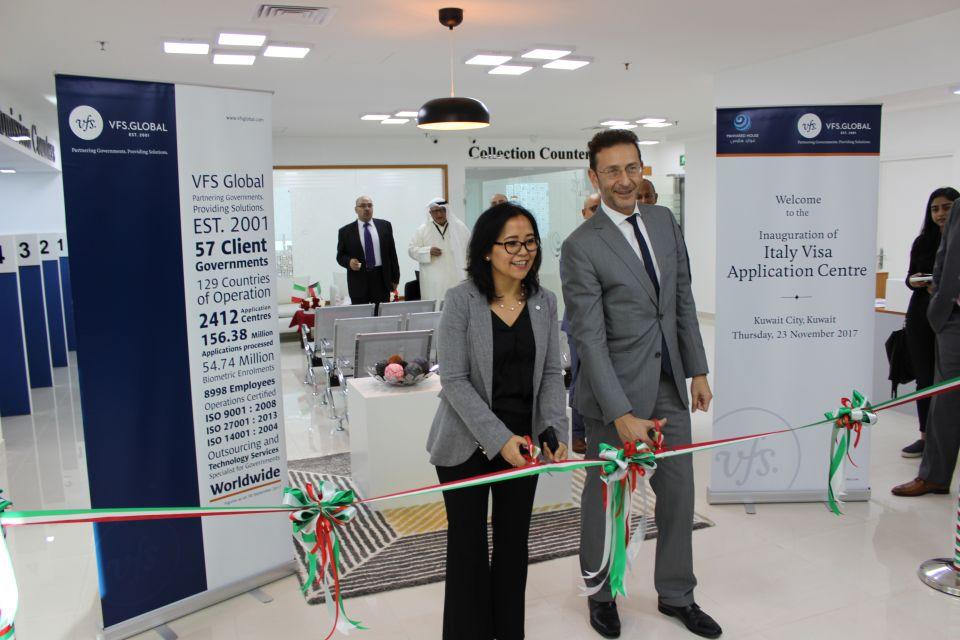 إيطاليا تفتتح مركزا جديدا لاستقبال طلبات التأشيرات في الكويت