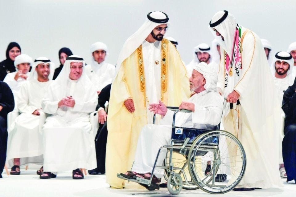 """تكريم محمد بن راشد و محمـد بن زايد لـ """"أوائل الإمارات"""""""