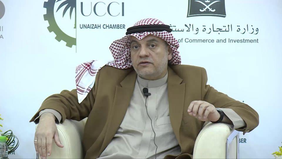العاهل السعودي يعفي المستشار غسان السليمان بسبب عرض أزياء نسائي