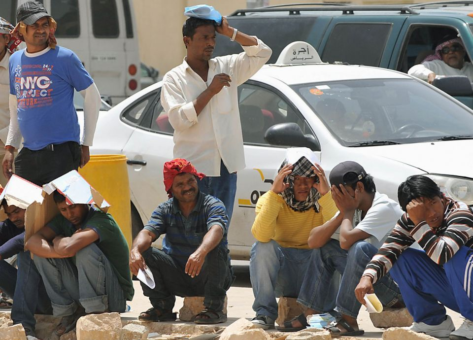 بدء تحصيل المقابل المادي على العمالة الوافدة في السعودية مطلع 2018