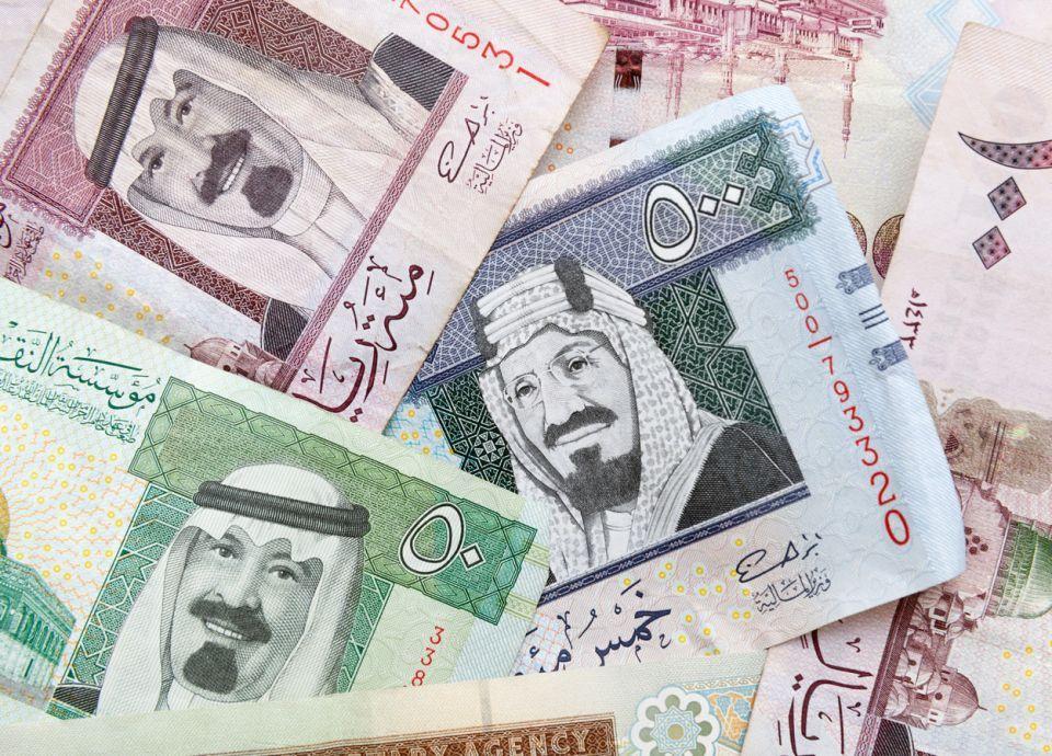 محافظ المركزي السعودي: لا نية لتغيير سياسة سعر الصرف