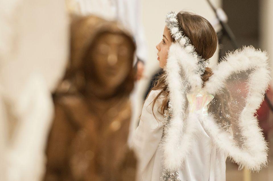 الكاثوليك يحتفلون بقداس عيد الميلاد حول العالم