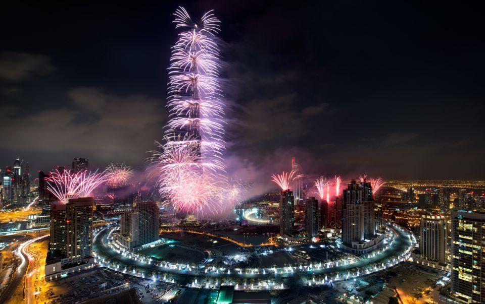 دبي: إغلاق شوارع قرب احتفالات رأس السنة الخامسة مساء اليوم