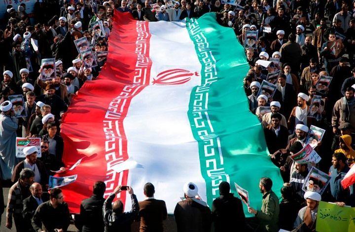 خطيب الجمعة في طهران يدعو إلى معاقبة قادة الاحتجاجات