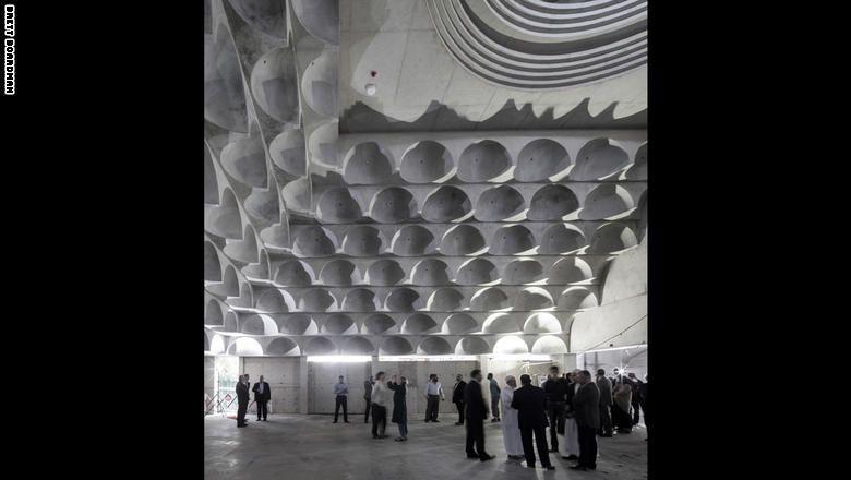 نظرة داخل مسجد الـ99 قبة في أستراليا