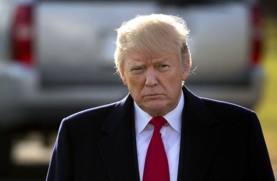 بسبب إيران، ترامب يقيل وزير الخارجية تيلرسون عبر حسابه على موقع تويتر ويعين مدير الاستخبارات
