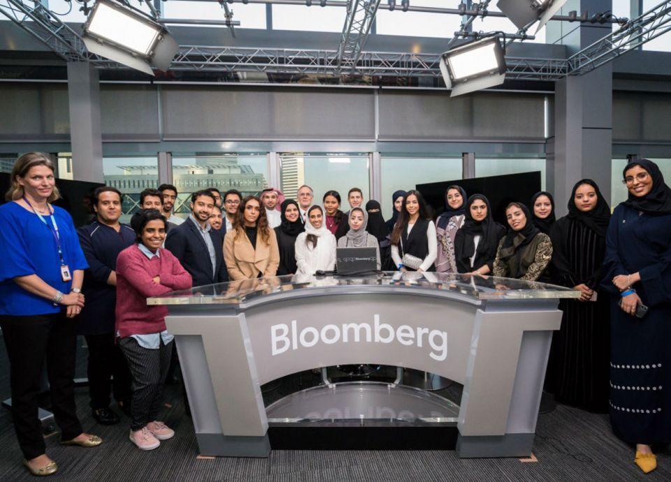 برنامج تدريبي لمهارات العمل الصحفي المالي للطلاب في السعودية