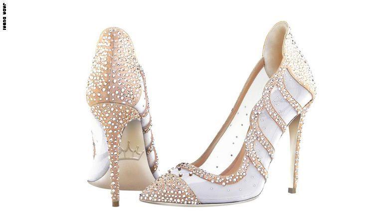 """حذاء """"ألماسي"""" يعتبر الأول من نوعه في العالم.. فقط في دبي!"""