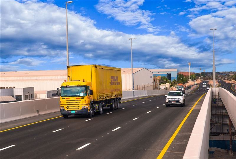 ممر دبي اللوجستي يغير قواعد اللعبة في قطاع النقل واللوجستيات