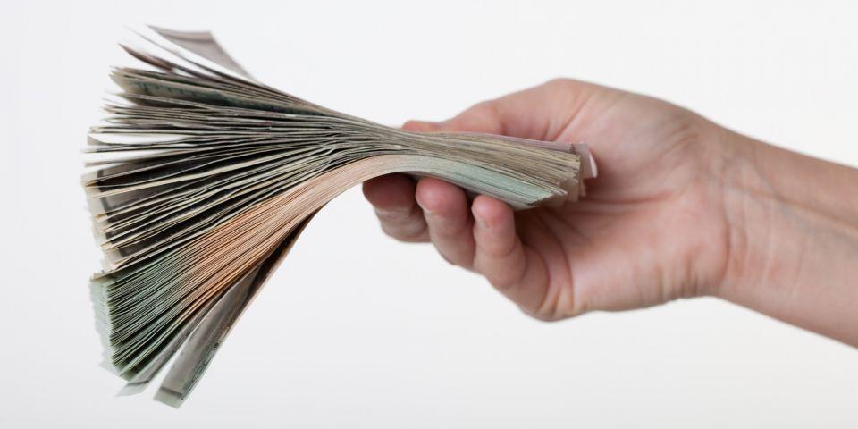 السعودية: جهات حكومية تعدل أنظمة رواتب الموظفين