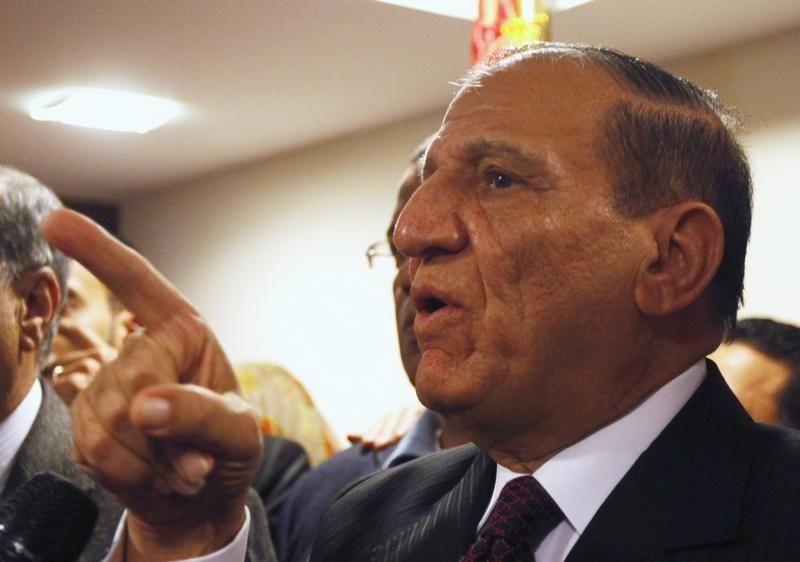 حملة عنان لرئاسة مصر تتوقف بعد احتجازه