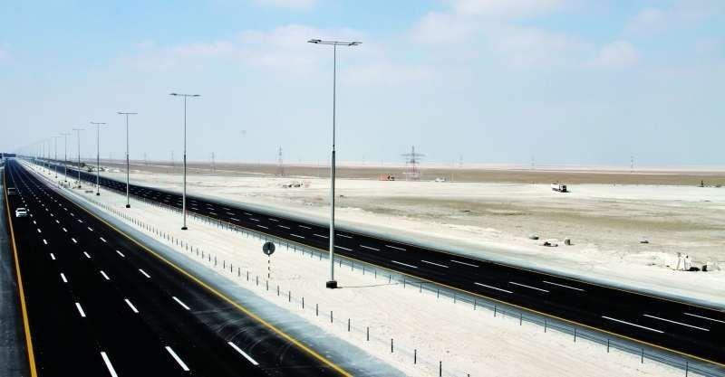 شارع خليفة بن زايد يربط الإمارات والسعودية بكلفة 5.3 مليارات درهم