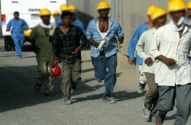 سلطنة عمان توقف توظيف الوافدين في 10 قطاعات
