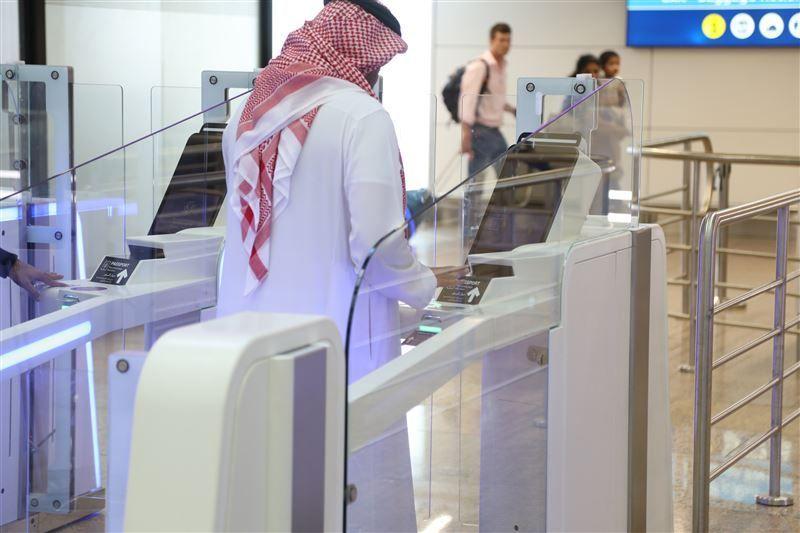 إنجاز مرحلة جديدة من البوابات الذكية في مطارات دبي