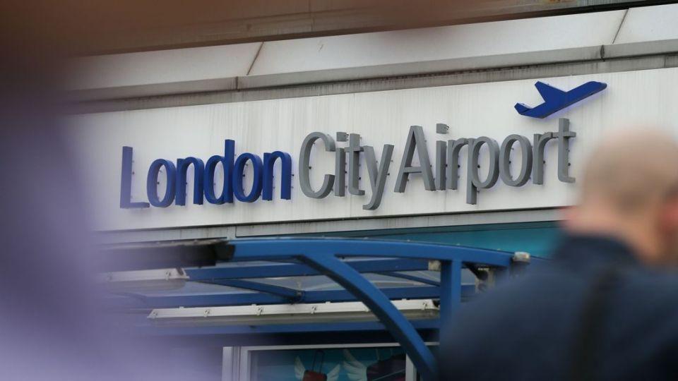 العثور على قنبلة من الحرب العالمية 2 في مطار لندن سيتي