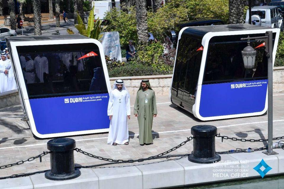 محمد بن راشد يشهد الاختبارات الأولية لوحدات التنقّل ذاتية القيادة