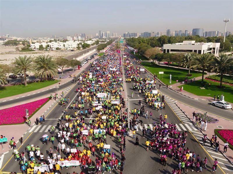 15,000 شخص يشاركون في مسيرة دبي العطاء من أجل التعليم