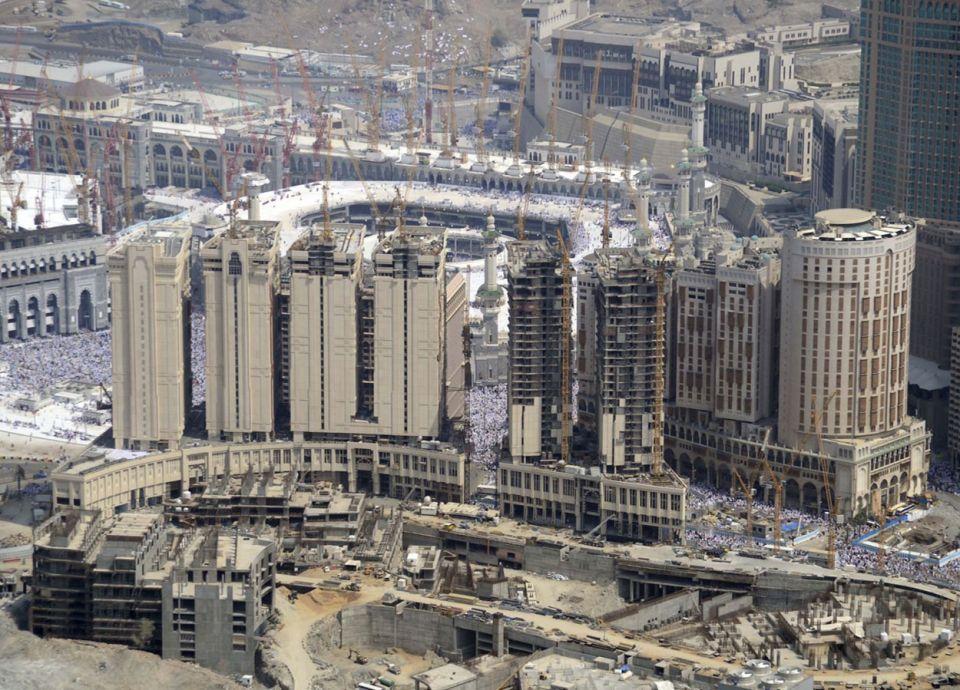 الشركة السعودية للخدمات الأرضية وجبل عمر توقعان مذكرة لدراسة إنشاء محطة للمسافرين بمكة