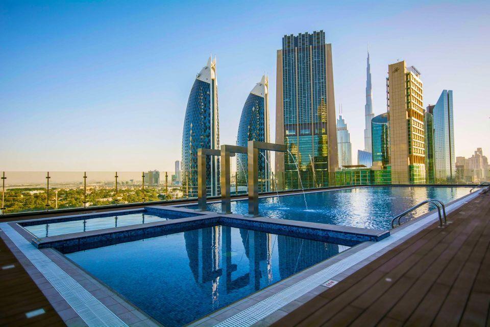 كم تكلف زيارة سطح أعلى فندق بالعالم