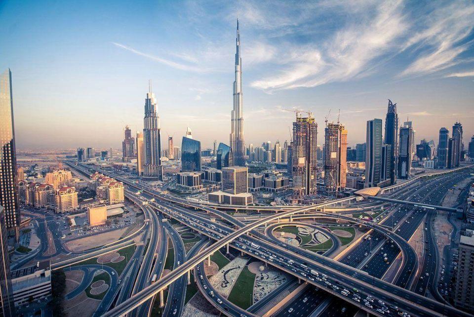 ما هو متوسط رواتب الوافدين في دبي