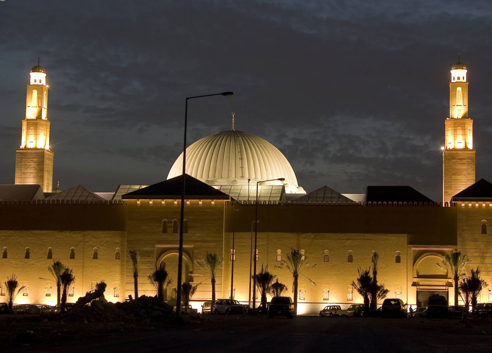 مساجد السعودية الـ100 ألف تستهلك كهرباء بـ8 مليار ريال سنوياً