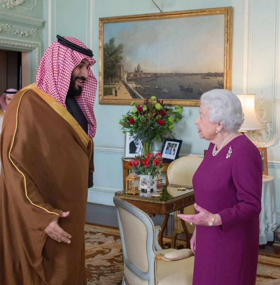 بالصور: الملكة اليزابيث تستقبل محمد بن سلمان في قصر باكنغهام