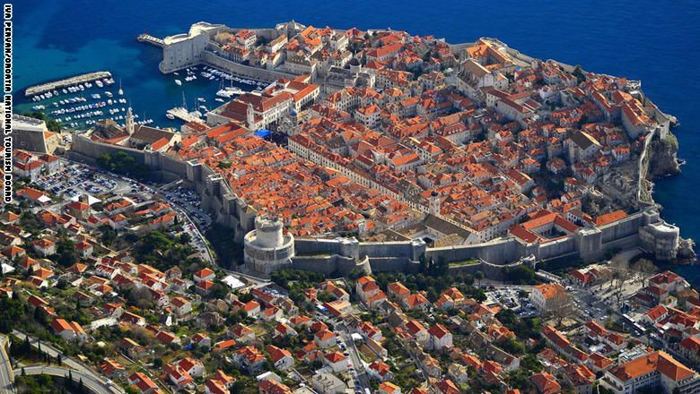 تعرّف إلى بعض أجمل المدن المسورة من العصور الوسطى
