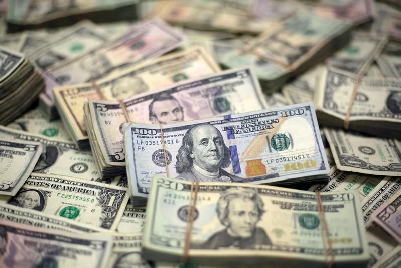 الدولار عند أدنى مستوى في أسبوع وسط أصداء إقالة وزير الخارجية الأمريكي