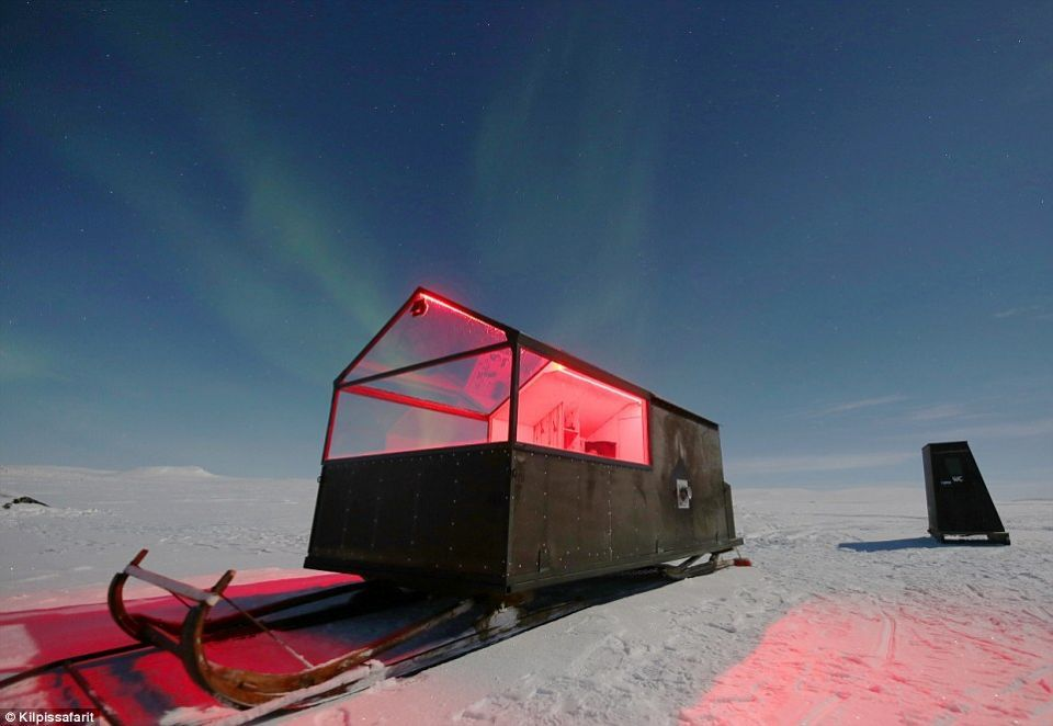 """""""dinky"""" الفندق الصغير المتنقل في المنطقة القطبية الجنوبية"""