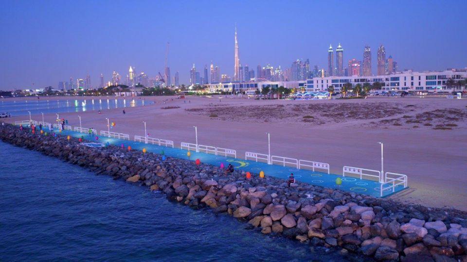 بلدية دبي تطلق أول منصة شاطئية للسعادة
