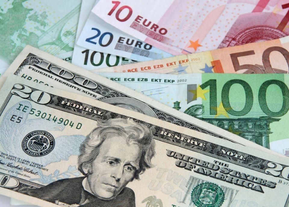 حصة الدولار في احتياطيات العملات العالمية في أدنى مستوياتها