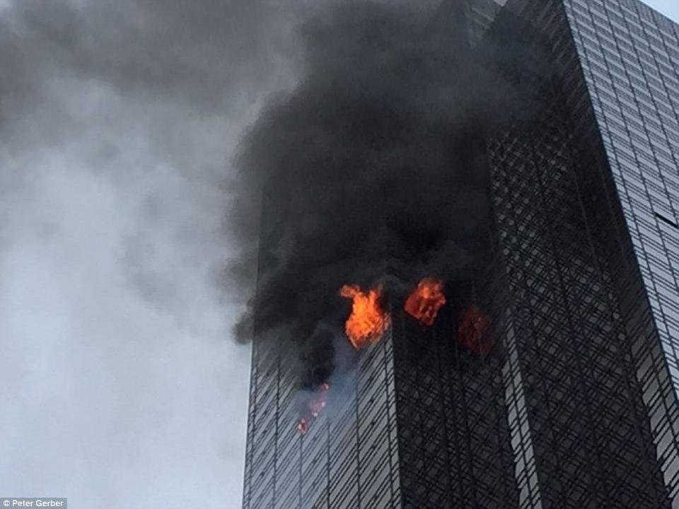 "مقتل رجل وإصابات في حريق بالطابق الـ50 بـ""برج ترامب"""