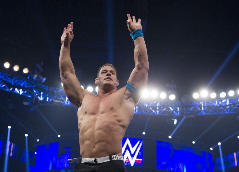 فيديو: للمرة الأولى بتاريخ السعودية.. انطلاق عروض للمصارعة الحرة (WWE)