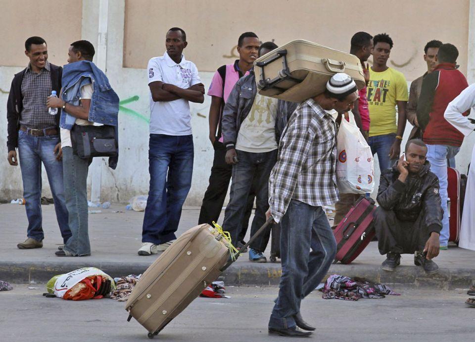 خروج نحو نصف مليون وافد أجنبي في السعودية