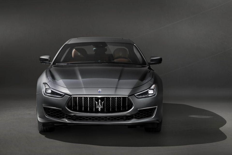 تحت المجهر: سيارة مازيراتي جيبلي الجديدة