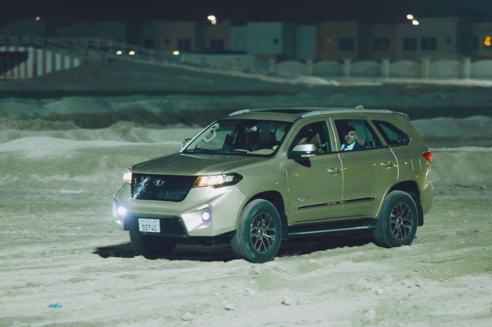 بالصور: إطلاق أول سيارة إماراتية الصنع في أبوظبي