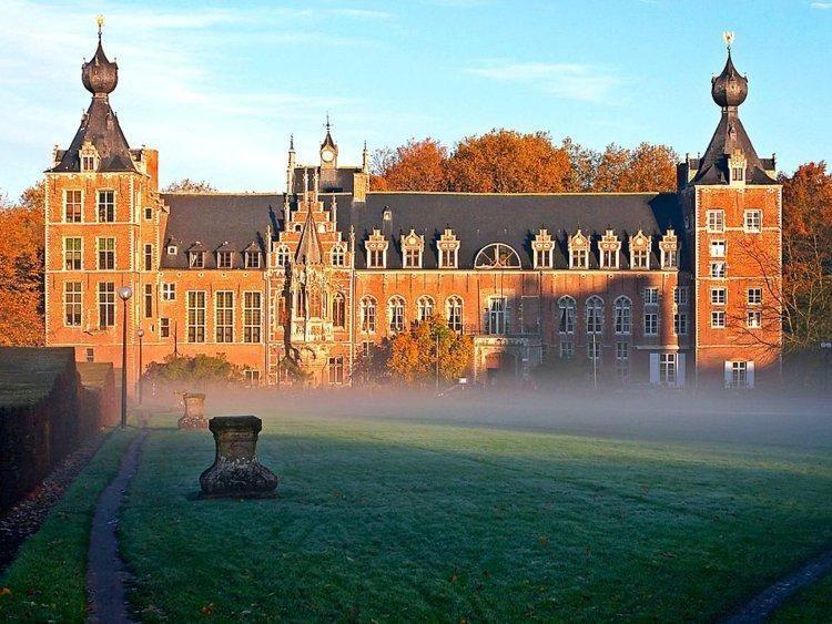 بالصور:  أجمل الجامعات في العالم