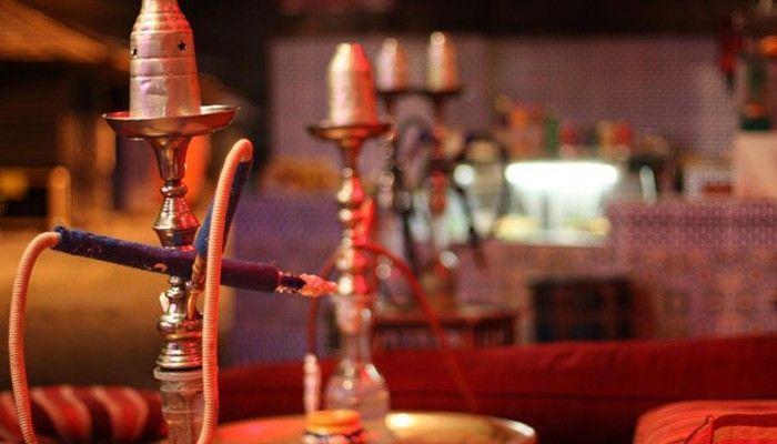 حظر تقديم الشيشة والتدخين في الخيم الرمضانية بعجمان