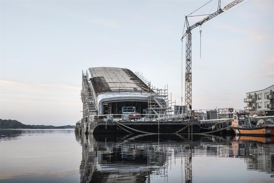 بالصور: إنشاء أول مطعم في أوروبا تحت الماء