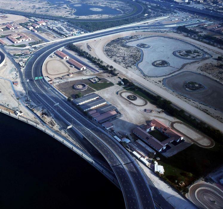 دبي تفتتح المرحلة الثانية من مشروع الطرق الموازية في منطقة الخليج التجاري