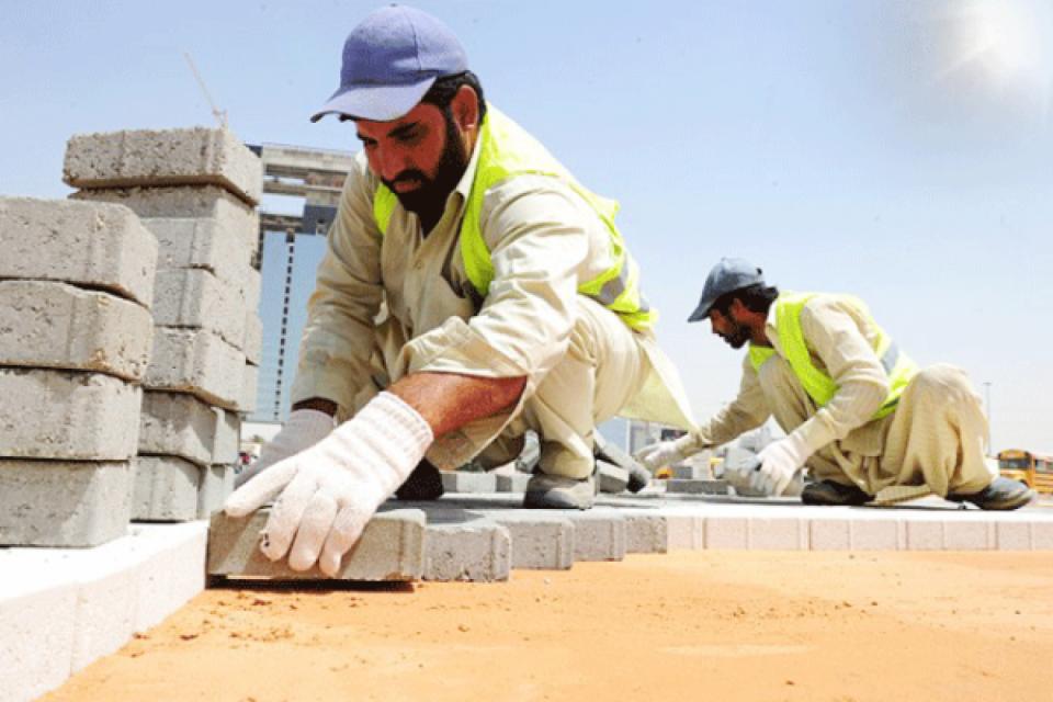 السعودية تبدأ منع العمل تحت أشعة الشمس في أول أيام العيد حتى 15 سبتمبر