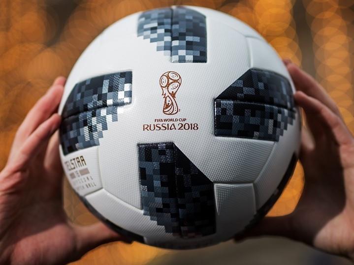 الفيفا: السماح لكل فريق بخمسة تبديلات في مباريات كرة القدم