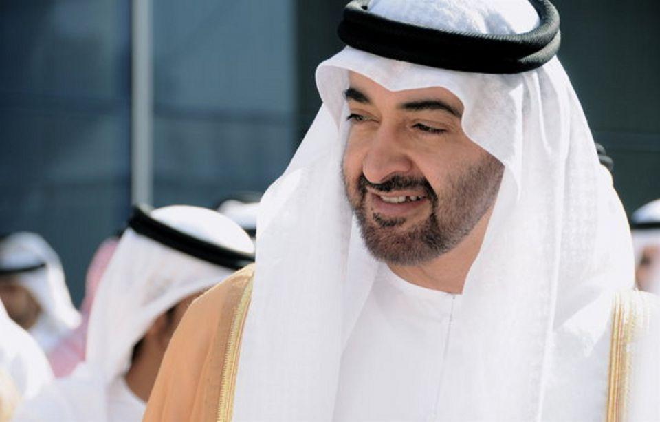 محمد بن زايد يأمر بتوفير10 آلاف وظيفة للمواطنين خلال 5 سنوات