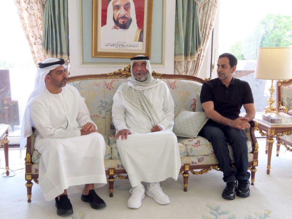 فيديو: رئيس الإمارات يستقبل مسؤولين بمقر إقامته في مدينة إيفيان الفرنسية