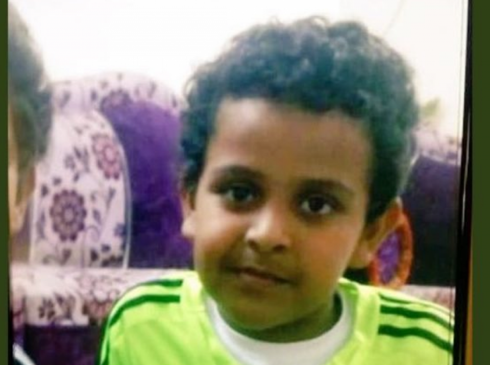 العثور على طفل سعودي مقتولاً ومحروقاً داخل مسجد