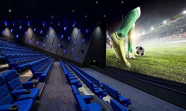 هل ستشاهد مباريات كأس العالم في دور السينما في دبي