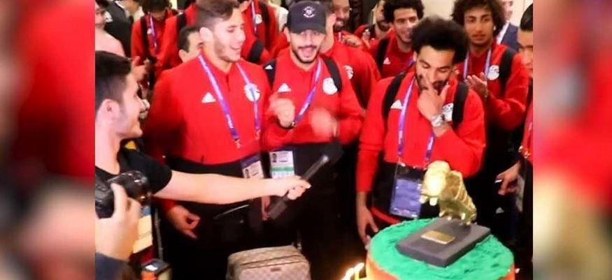 فيديو.. مفاجأة لصلاح في عيد ميلاده