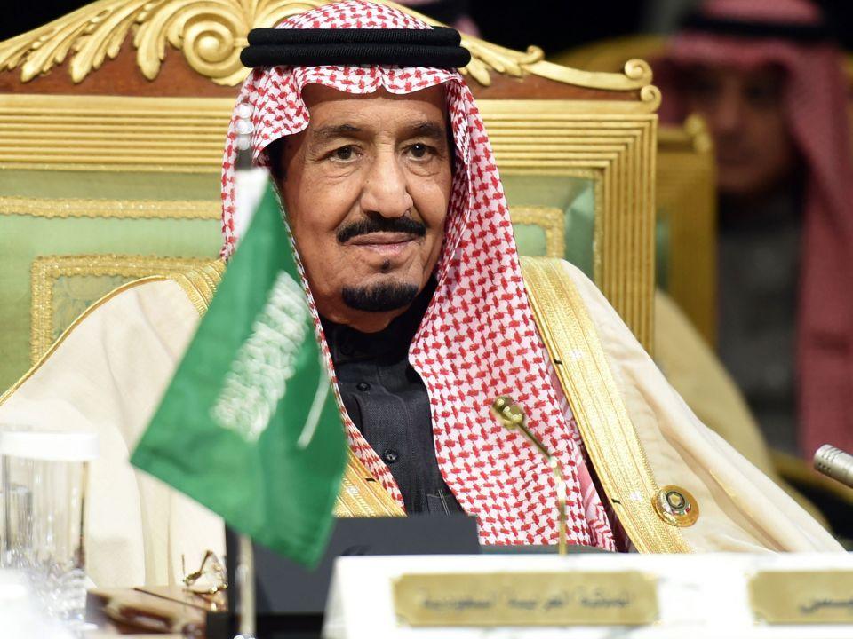 العاهل السعودي يعفي رئيس هيئة الترفيه من منصبه بسبب تجاوزات في سيرك روسي
