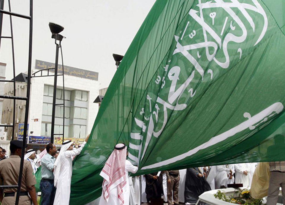 الرياض تمنع زوجة المواطن وزوج المواطنة غير السعوديين بالعمل في مهن السعوديين